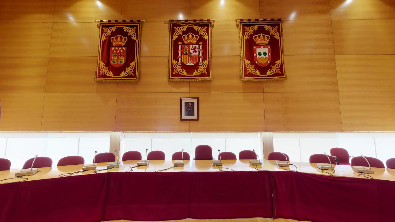 Ayuntamiento-Tres-Cantos-MESA-PRESIDENCIAL